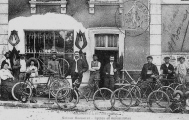 "Maison Menneret "" Cycles et automobiles "" vers 1900 - Marcilly le Hayer (10 )"