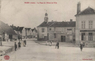 Piney : Place de l'Hôtel de Ville