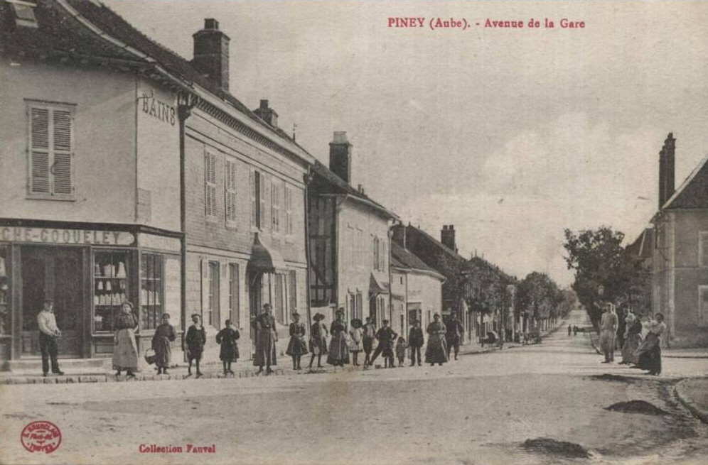 Piney : Avenue de la gare